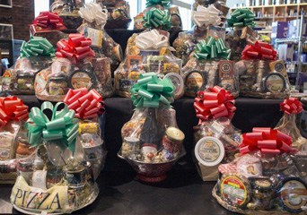 Cantoro Gift Baskets & Cards